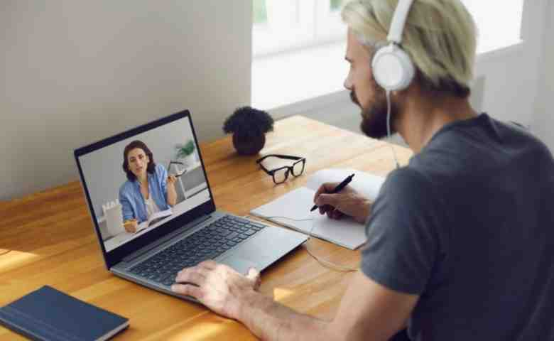 Essential Gadgets For Online Classes and learn from home